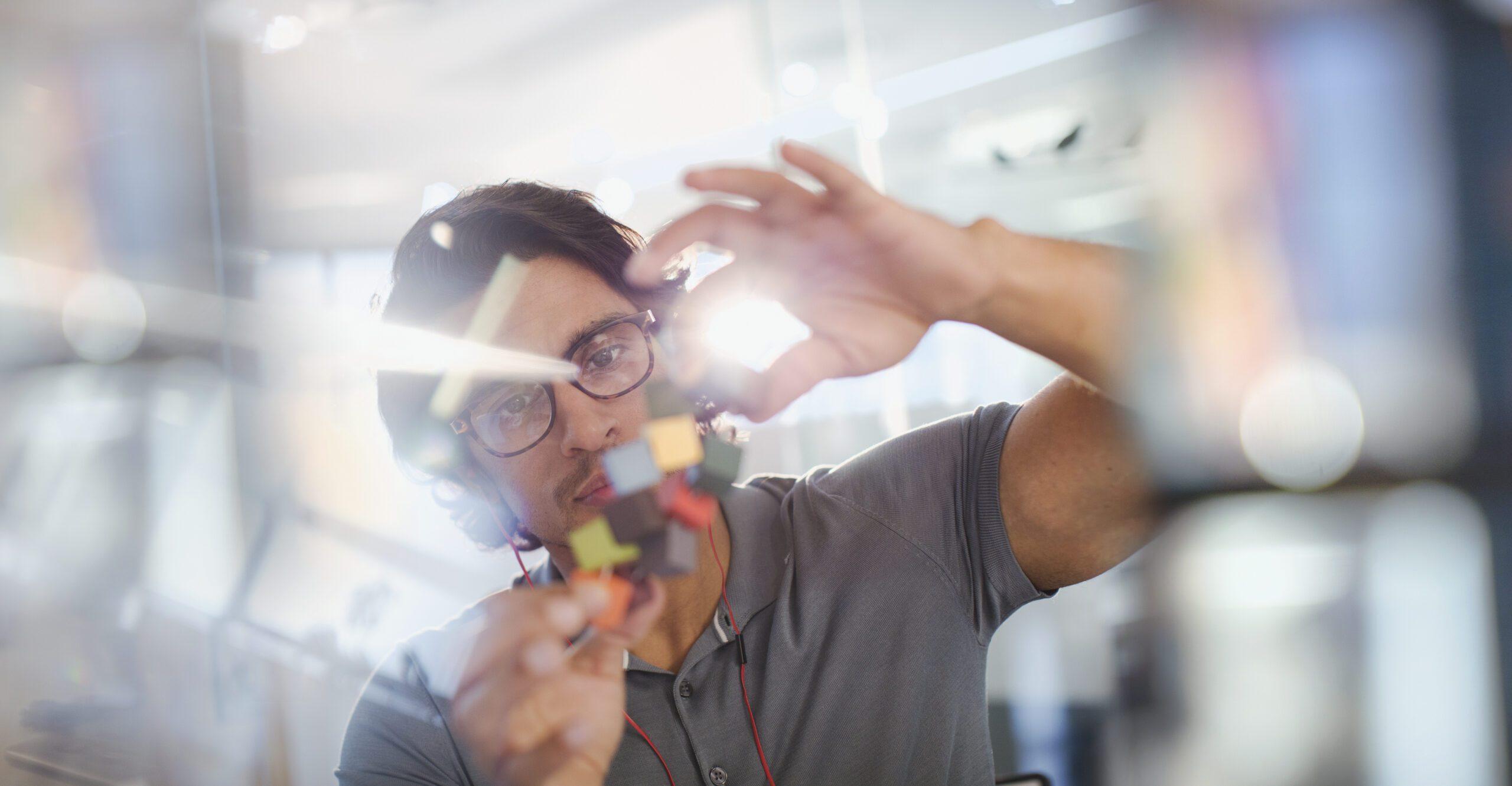 Avec notre offre de structuration de la R&D, FI Group propose un accompagnement sur mesure afin d'améliorer votre capacité à innover