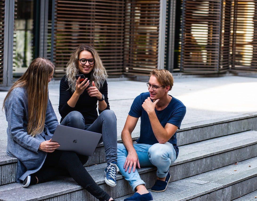 FI Group propose un webinar sur la recherche d'emploi pour jeunes docteurs