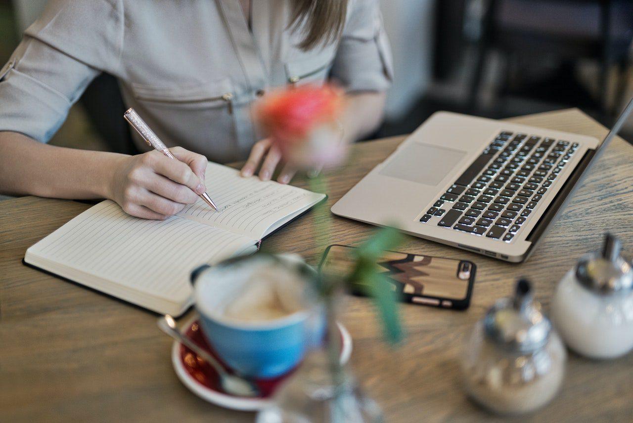 FI Group propose un webinaire sur l'entreprenariat et la recherche